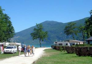 Camping Les Peupliers, Lepin Le Lac
