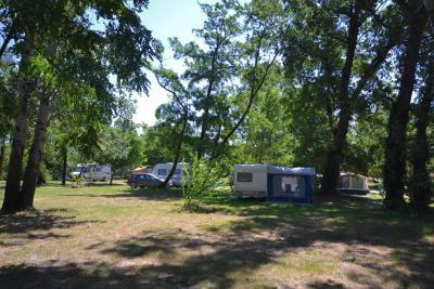 Camping Le Peyrolais, Saint-Julien-de-Peyrolas