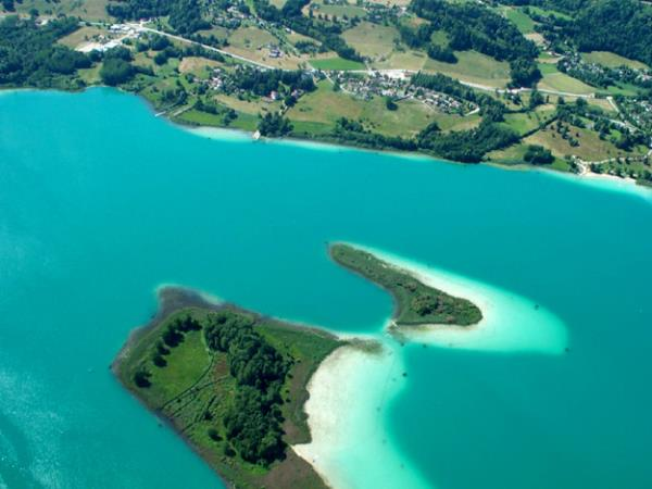 Camping Huttopia Lac d'Aiguebelette, Aiguebelette